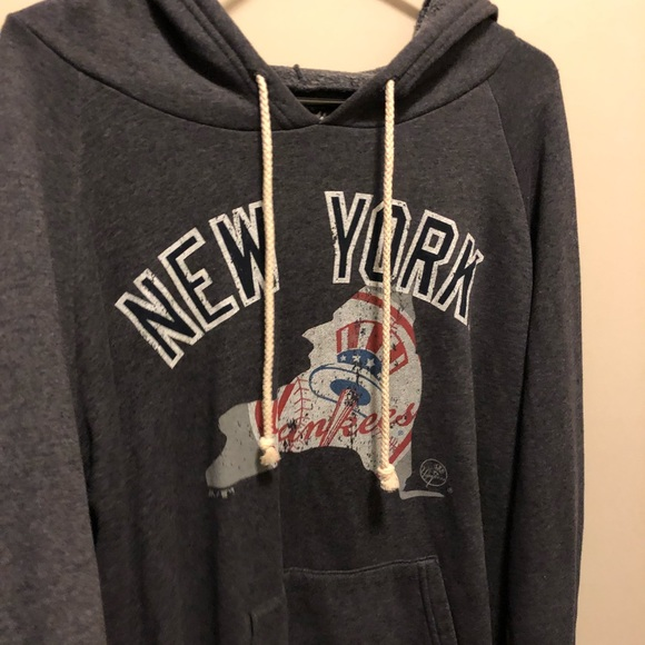 best loved 14cd2 fa1db NWOT Majestic Threads New York Yankees Sweatshirt